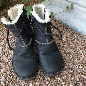 EUC UGG Black Leather Boots - Women's 8